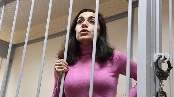 Экс-член правления компании Интер РАО Карина Цуркан в суде