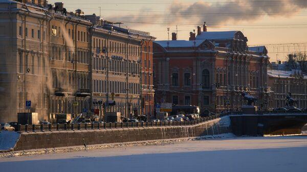 Чистка крыш от снега в Санкт-Петербурге