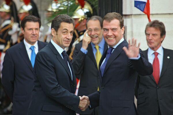 Президент РФ Дмитрий Медведев и президент Франции Николя Саркози. Архив