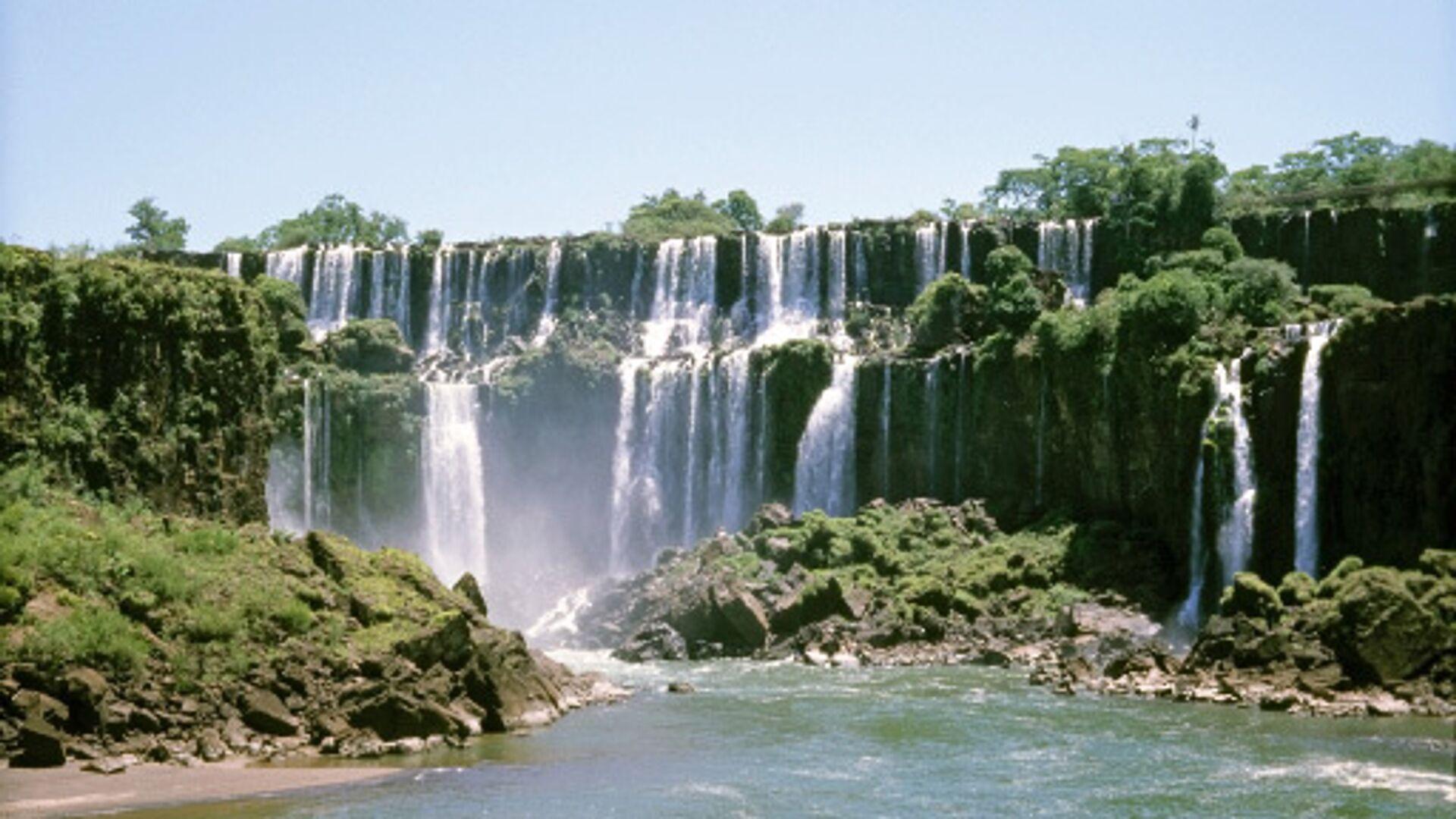 Водопады Игуасу на границе Аргентины и Бразилии - РИА Новости, 1920, 22.12.2020