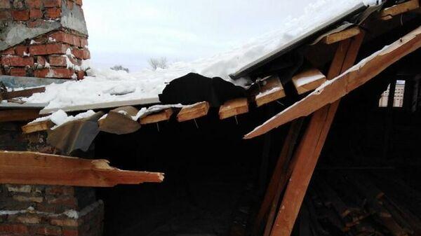 Последствия частичного обрушения кровли трехэтажного дома во Владимирской области