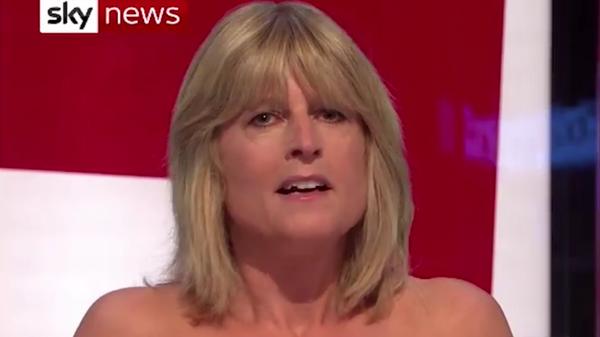 Стоп-кадр прямого эфира с участием телеведущей Рэйчел Джонсон на Sky News во время дискуссии о Brexit