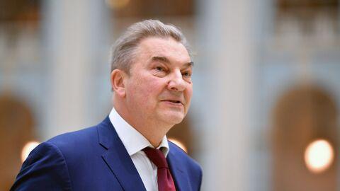 Владислав Третьяк перед началом оглашения ежегодного послания президента Российской Федерации Федеральному Собранию. 20 февраля 2019