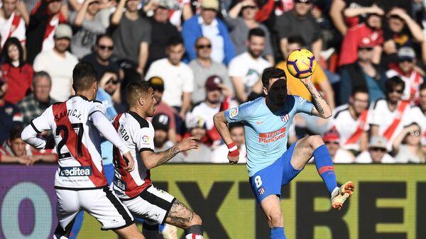 Игровой момент матча Райо Вальекано - Атлетико