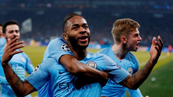 Манчестер Сити празднует гол в матче с Шальке