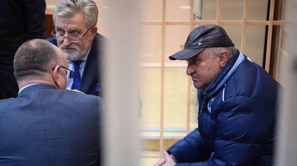 Советник генерального директора Газпром межрегионгаз Рауль Арашуков во время заседания Басманного суда города Москвы