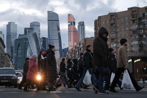 Пешеходный переход на Большой Дорогомиловской улице в Москве