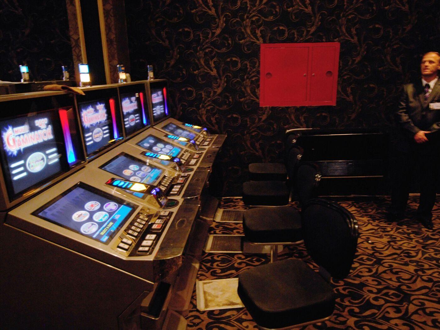 Выигрыши в казино азов сити актрисы из казино рояль