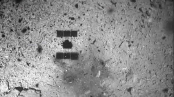 Фотография обстрелянной поверхности астероида Рюгю