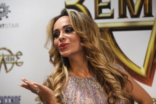 Модель, актриса Анна Калашникова на презентации двух новых клипов группы Земляне
