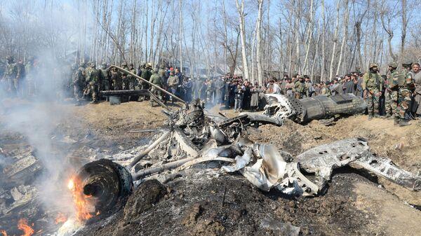 Место падения индийского самолета в Кашмире. 27 февраля 2019