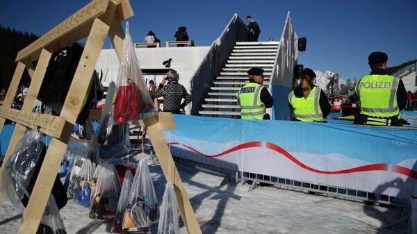 Полицейские на чемпионате мира по лыжным видам спорта в Зеефельде