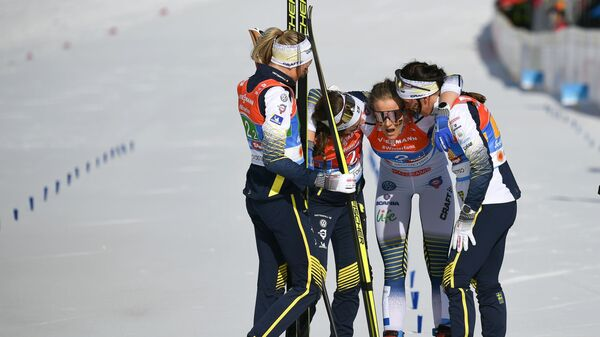Шведские лыжницы Эбба Андерсон, Фрида Карлссон, Шарлотт Калла и Стина Нильссон (слева направо)