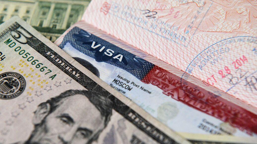 Заявители на американскую визу теперь должны указать ссылки на свои соцсети