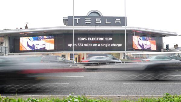 Автосалон Tesla в Лондоне. 1 марта 2019