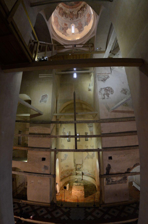 Храм Спаса на Ильине, вид внутри