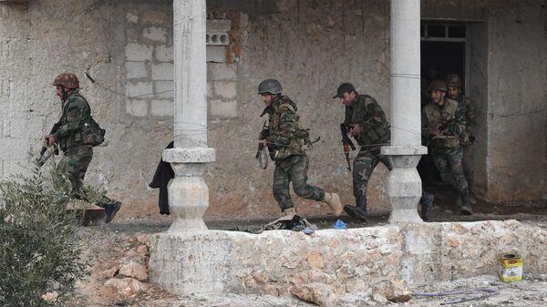 Передовые позиции сирийской армии на передовых позициях в районе Алеппо
