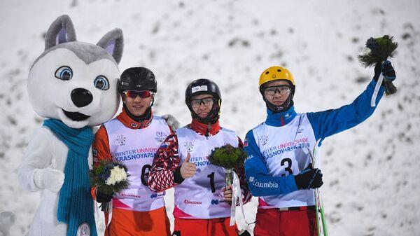 Ли Чжунлинь (Китай) - серебряная медаль, Максим Буров (Россия) - золотая медаль, Руслан Катманов (Россия) - бронзовая медаль