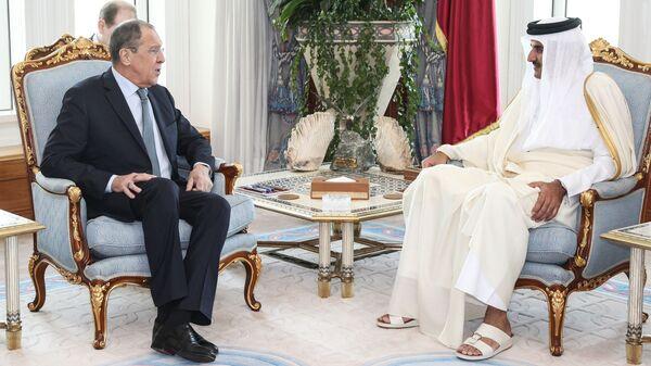 Министр иностранных дел РФ Сергей Лавров и эмир Катара Тамим бен Хамад Аль Тани