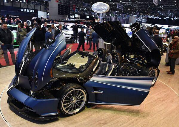 Родстер Pagani Huayra на Международном Женевском автосалоне 2019