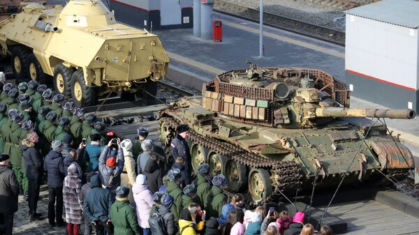 Эшелон передвижной военно-патриотической акции Сирийский перелом с уникальной выставкой военных трофеев, захваченных у боевиков в Сирии