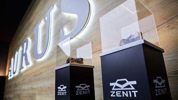 Россия на Женевском автосалоне показала фотоаппарат Zenit M