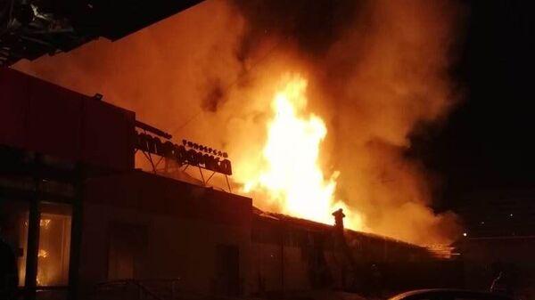 В Первоуральске локализовали пожар в магазине