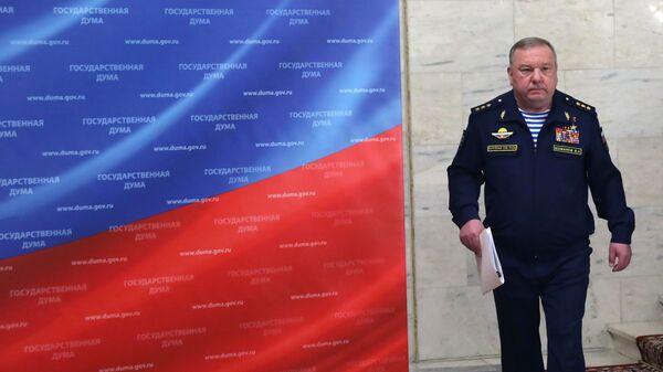 Председатель комитета Государственной Думы РФ по обороне Владимир Шаманов перед началом встречи с военными атташе. 11 марта 2019