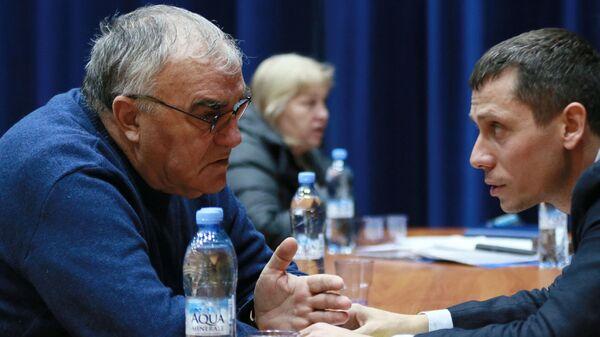Валентин Маслаков (слева) и Юрий Борзаковский
