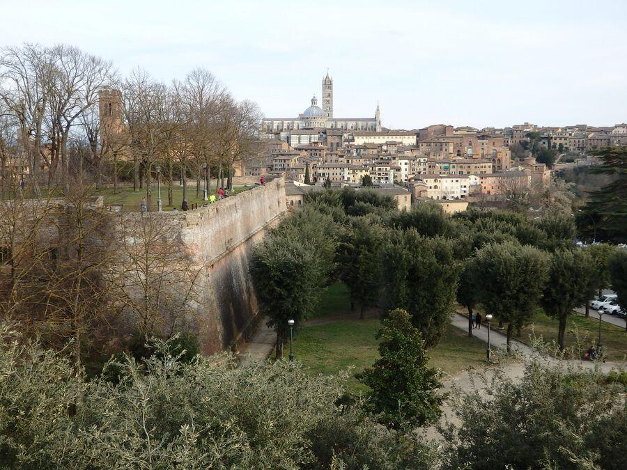 Тоскана. Сиена. Вид из форта Медичи