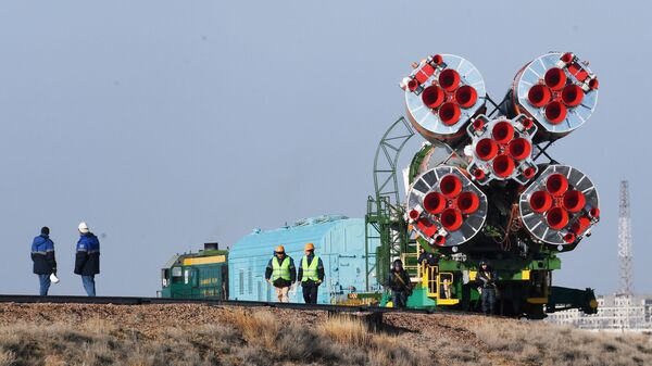 Транспортировка ракеты-носителя Союз-ФГ с пилотируемым кораблем Союз МС-12 на стартовую площадку космодрома Байконур. 12 марта 2019