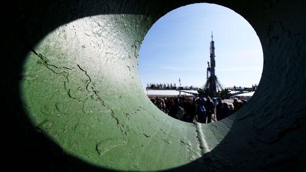 Вывоз РН Союз-ФГ на стартовую площадку космодрома Байконур