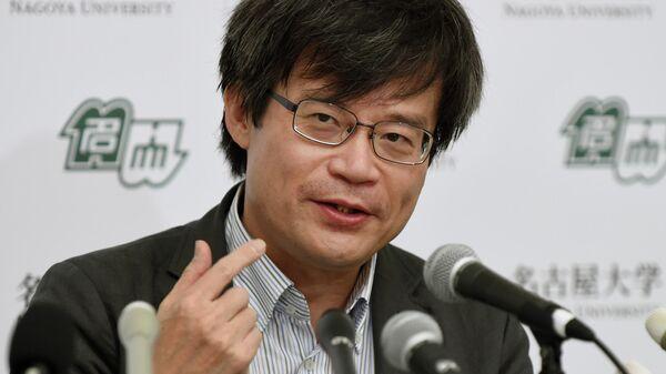 Японский учёный, инженер-электроник, физик профессор Нагойского университета Амано Хироси