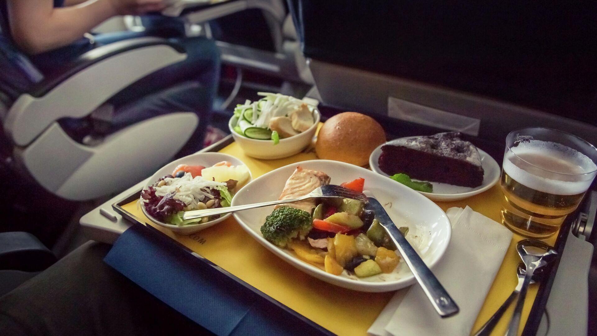 Еда на борту самолета - РИА Новости, 1920, 25.06.2020