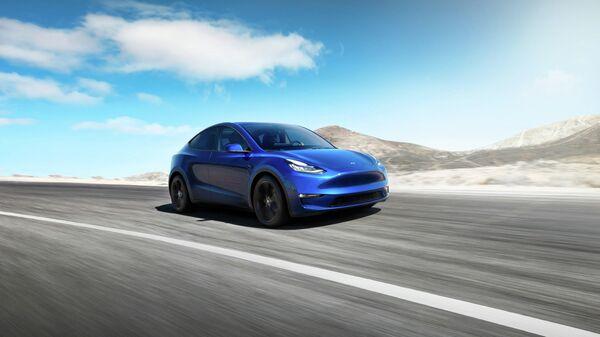 Tesla запустит сервис беспилотного такси в 2020 году