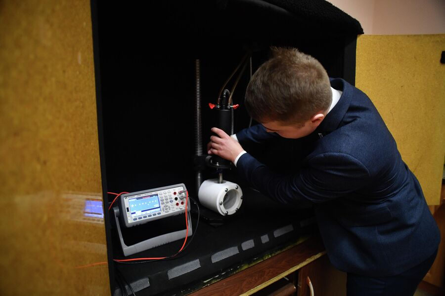 Александр Буркацкий в лаборатории физики высоких пллотностей энергии Саровского физико-технического института