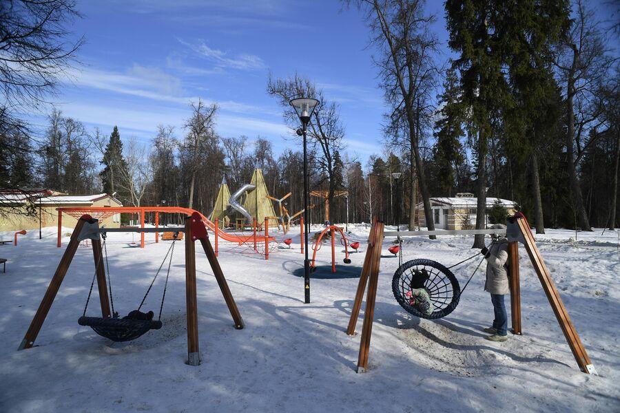 Детская площадка в парке Сарова