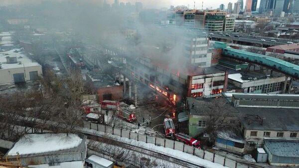 Пожар в складском здании на севере Москвы. 10 марта 2019