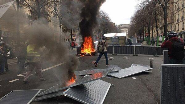 Восемнадцатая акция движения жёлтых жилетов в Париже. 16 марта 2019