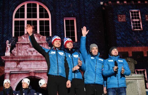 Спортсмены сборной России Александр Логинов, Дмитрий Малышко, Никита Поршнев и Матвей Елисеев