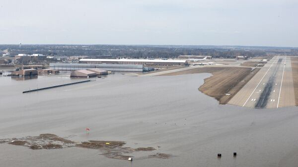 Затопленная авиабаза ВВС США Оффатт в штате Небраска. 16 марта 2019