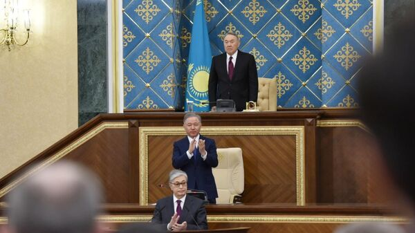 Председатель Сената Парламента Казахстана Касым-Жомарт Токаев и экс-президент Казахстана Нурсултан Назарбаев на совместном заседании палат парламента Казахстана. 20 марта 2019