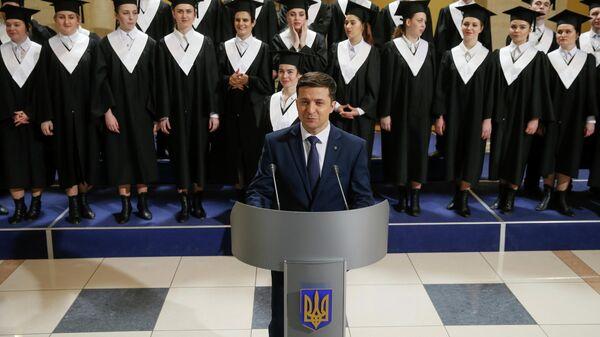 Кандидат в президенты Украины Владимир Зеленский во время съемок шоу Слуга народа в Киеве