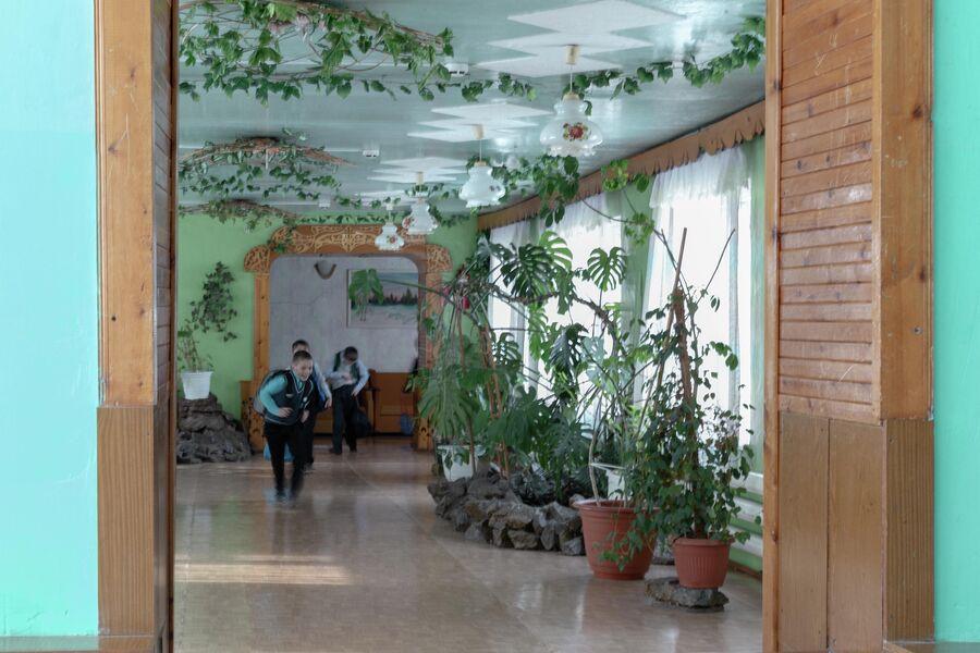 Школа в поселке Трещевский