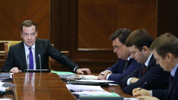 Председатель правительства РФ Дмитрий Медведев на совещании по вопросу О защите и поощрении капиталовложений и развитии инвестиционной деятельности в Российской Федерации. 22 марта 2019