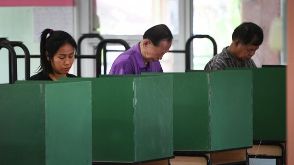 Голосование на избирательном участке парламентских выборов в Таиланде. 24 марта 2019