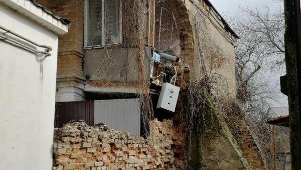 Обрушение стены пристройки в Ессентуках, Ставропольский край. 24 марта 2019