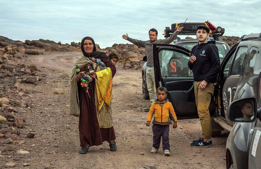 Марокко, горы Атласа. Встреченные по пути берберы, местные жители