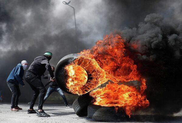 Столкновения палестинцев с израильской армией у Бейт-Эля на Западном берегу реки Иордан