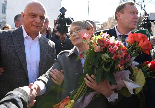 Кандидат в президенты Украины Юлия Тимошенко на одном из избирательных участков Киева после голосования на выборах президента Украины. 31 марта 2019
